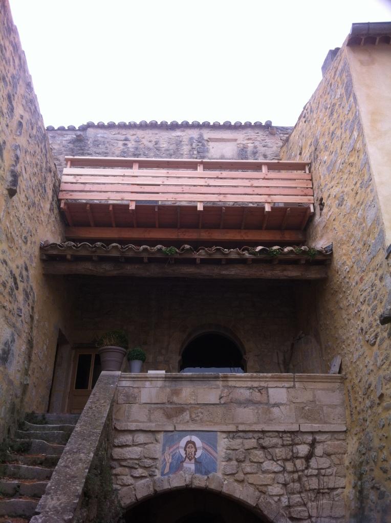 Terrasse suspendue sur monument historique - St Restitut 2015 - Emile M.